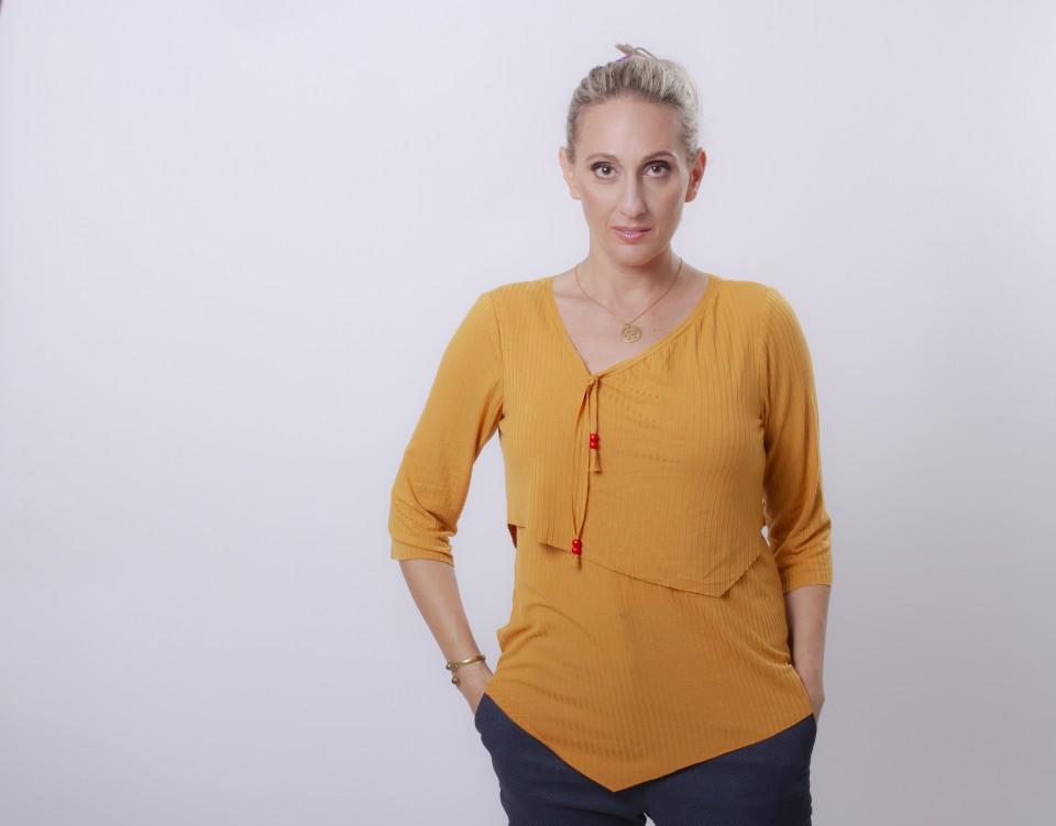 חולצת הנקה שכבות עם מחשוף אסימטרי