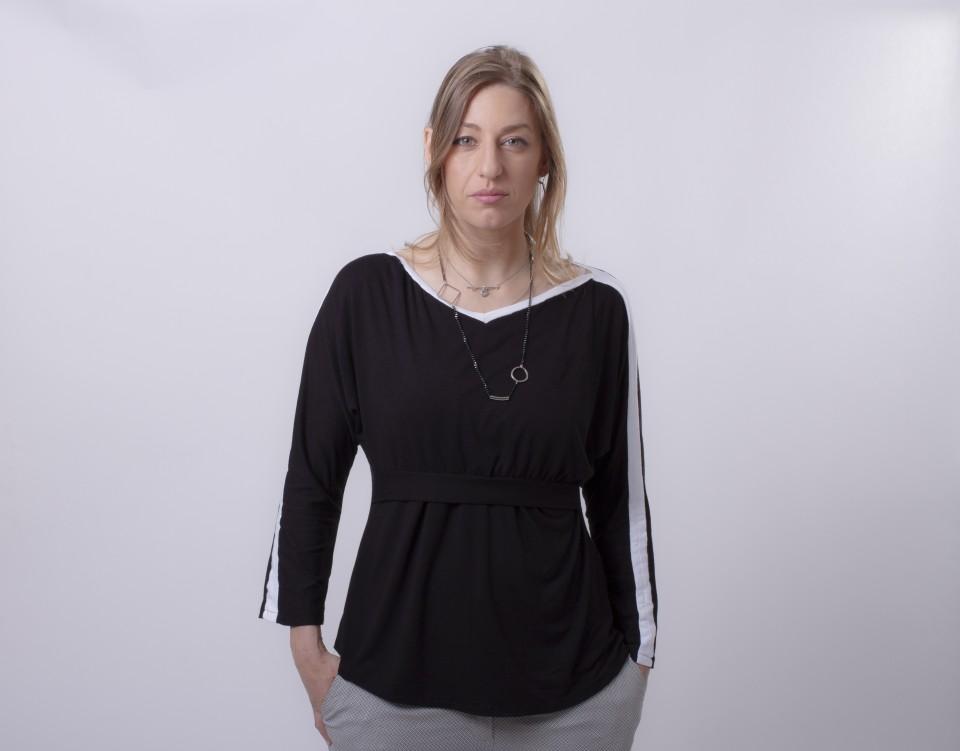 חולצת הנקה עטלף שחור עם פס לבן